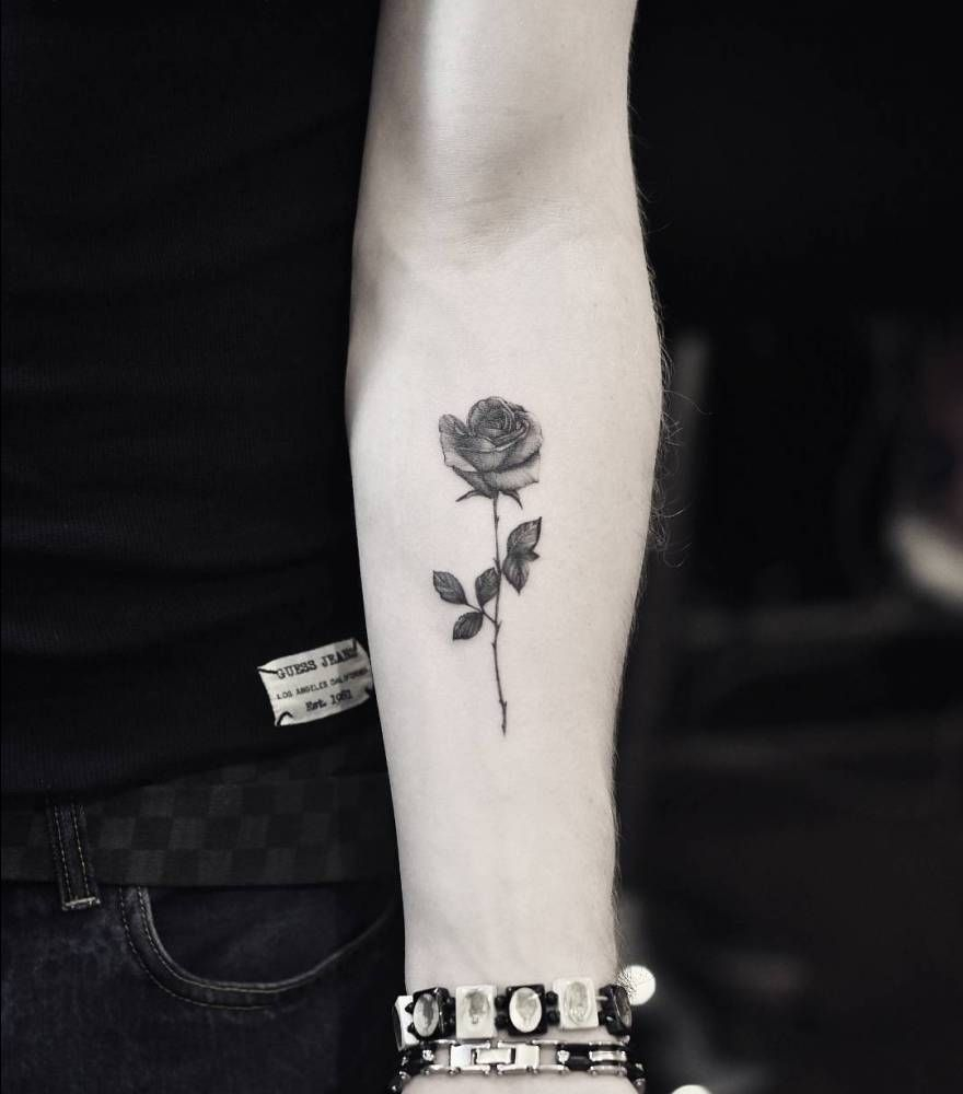 Fine Line Rose Tattoo On The Left Inner Forearm Artista Tatuador within dimensions 880 X 1000