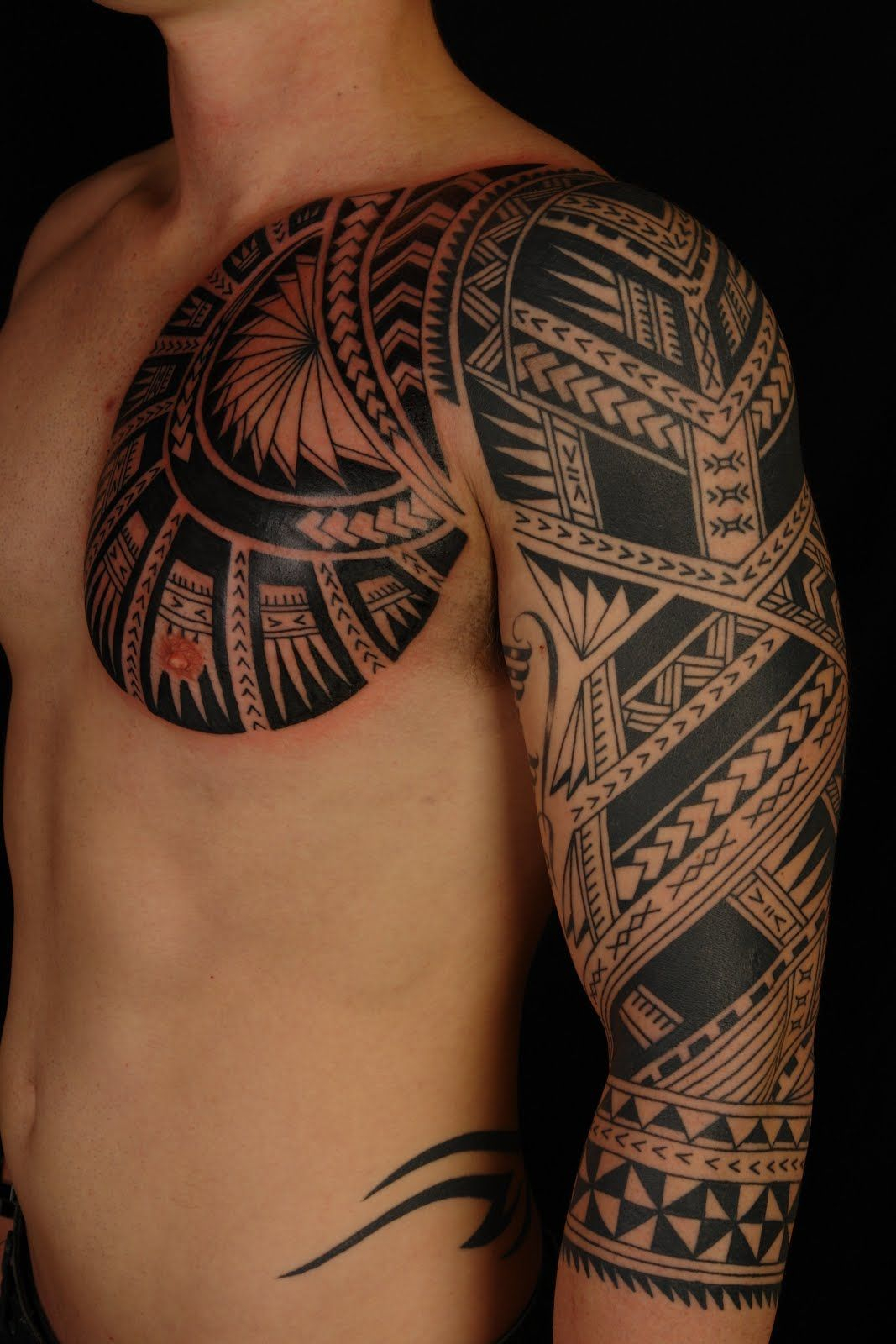 Pin Maori Polynesian Tattoo Chest Extention On Cameron Picture To within sizing 1067 X 1600